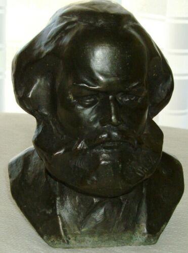 Il raro busto di Marx esposto presso il Museo del Comunismo e della Resistenza di Matera